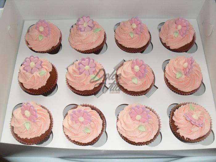 Капкейки с розовым кремом